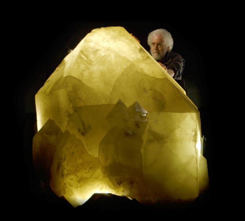 Удивительная коллекция минералов - шедевры Земли. видео  - Шедевры Земли.jpg