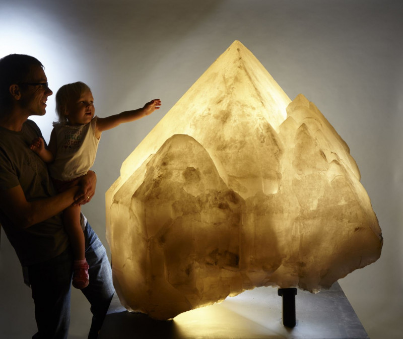 Удивительная коллекция минералов - шедевры Земли. видео  - Кристалл.jpg