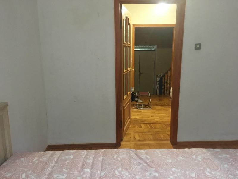 Входная дверь напротив двери в спальню - 7B72A10A-D7CD-40B4-B3A2-CDACB5F0F553.jpeg